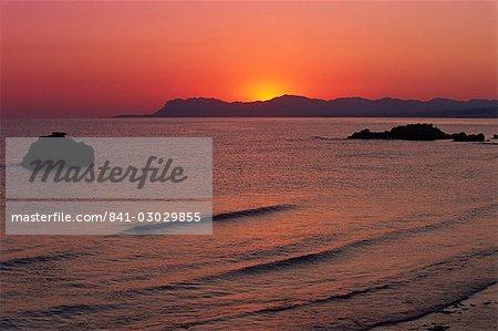 Plage d'Agia Marina à l'aube, Crète, îles grecques, Grèce, Europe