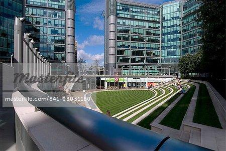 Neue Entwicklung entlang der Regent's Canal am Becken Paddington, London W2, England, Vereinigtes Königreich, Europa