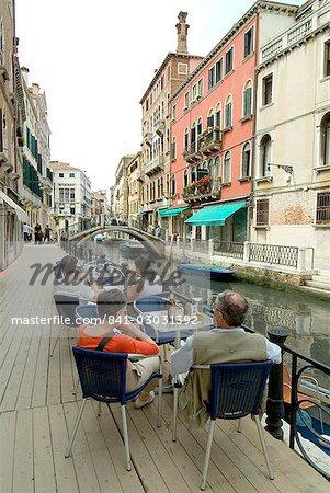 Canalside cafe, Venice, Veneto, Italy, Europe