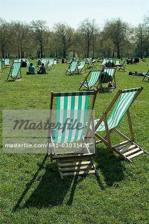 Chaises longues, Green Park, Londres, Royaume-Uni, Europe