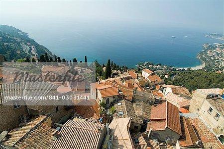Vue sur la Méditerranée de Roquebrune, Alpes-Maritimes, Provence, Côte d'Azur, French Riviera, France, Europe
