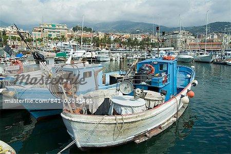 Vieux-Port et la marina, San Remo (San Remo), Italie, Méditerranée, Europe
