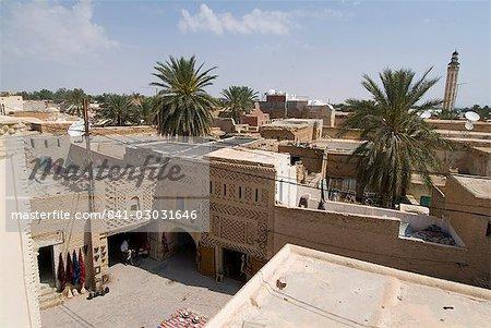 Surplombant la médina (centre-ville), Tozeur, Tunisie, Afrique du Nord, Afrique
