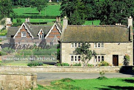 Maisons traditionnelles, Ilam, Parc National de Peak District, Derbyshire, Angleterre, Royaume-Uni, Europe