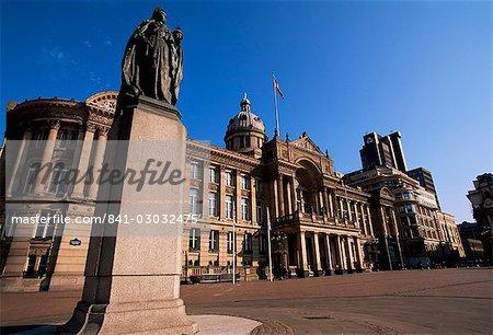 Statue of Queen Victoria and Council House, Victoria Square, city centre, Birmingham, England, United Kingdom, Europe