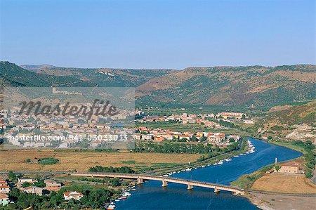 Bosa, province de Sassari, l'île de Sardaigne, Méditerranée, Europe