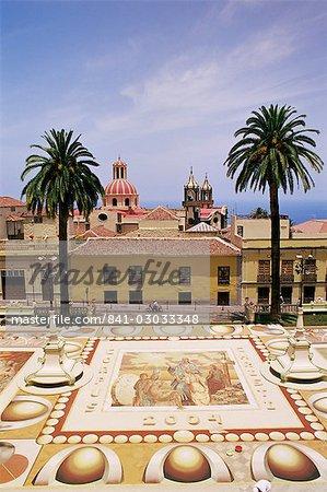 Décorations florales faites au cours des célébrations de la Fête-Dieu, Placa de l'Ayuntamento (place de la mairie), La Orotava, Tenerife, îles Canaries, Espagne, Atlantique, Europe