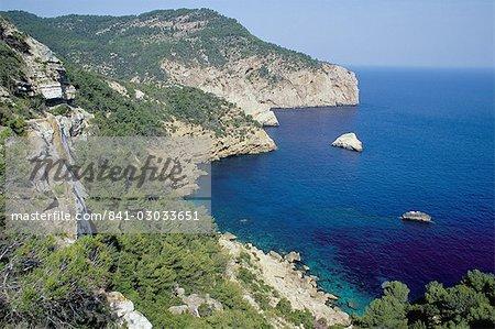 La côte nord de l'île près de Na Xamena, près de Sant Miguel, Ibiza, îles Baléares, Espagne, Méditerranée, Europe