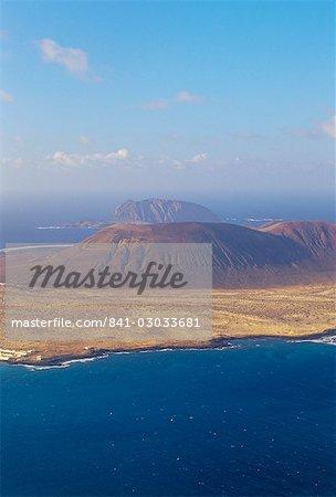 Vue aérienne des volcans de l'île de La Graciosa de El Mirador del Rio, Lanzarote, îles Canaries, Espagne, Atlantique, Europe