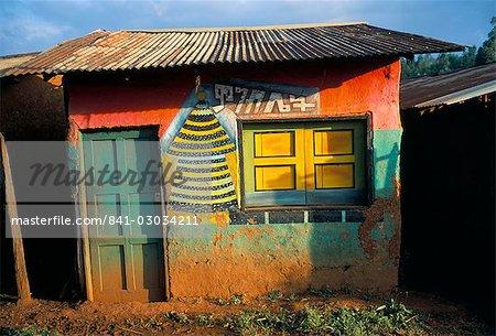 Décoration de bâtiment dans le village de Goulisoo, région Oromo, état Welega, Ethiopie, Afrique