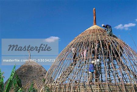 Construction d'un refuge, zone Gourague, province de Shoa, Ethiopie, Afrique