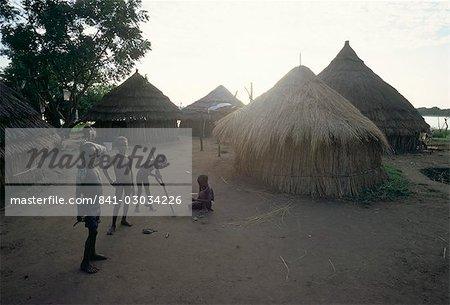 Batour village,Anouak (Anuak) ethnic group,on shores of Lake Tata,Ilubador state,Ethiopia,Africa