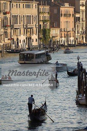 Bateau trafic, Grand Canal, Venise, Italie