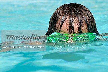 Little Boy natation
