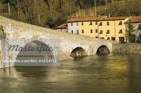 Devils Bridge, Ponti del Diavolo Corsagna, Borgo a Mozanno, northwest Tuscany, Italy, Europe