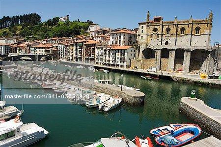 Ondarroa harbour, Basque Country, Euskadi, Spain, Europe