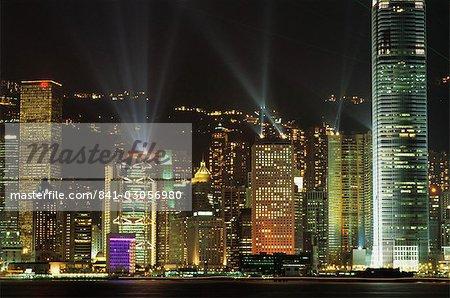 Skyline Hong Kong Island Central nuit de Tsim Sha Tsui, Hong Kong, Chine, Asie