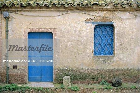 Maison de l'Europe bleue, porte et fenêtre, Bagia, Sardaigne, Italie, Mediterranee,