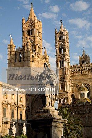 Cathédrale et bell towers, Palerme, Sicile, Italie, Europe