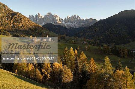 Santa Maddalena, Val di Funes, Dolomites, Bolzano, la province du Trentin-Haut-Adige, Italie, Europe