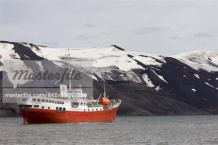 Expédition antarctique Dream, téléphone Bay, île de la déception, îles Shetland du Sud, l'Antarctique, régions polaires