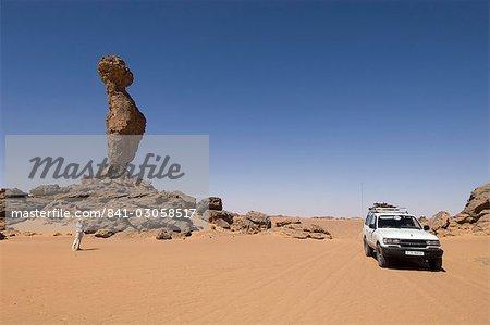 Formation rocheuse appelée le doigt d'Allah, Akakus, Sahara desert, Fezzan (Libye), l'Afrique du Nord, Afrique
