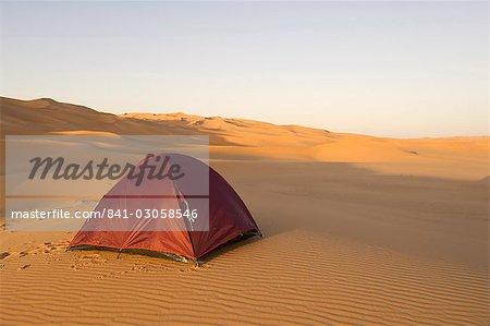 Tente dans le désert, Erg Awbari, Sahara desert, Fezzan (Libye), l'Afrique du Nord, Afrique