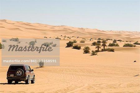 VUS près de Mafu lake, Erg Awbari, Sahara desert, Fezzan (Libye), l'Afrique du Nord, Afrique