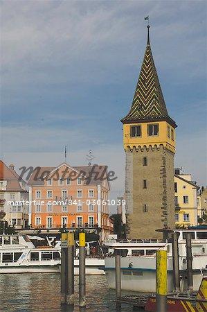 Port de mer avec tour d'observation, Lindau, en Bavière, lac de Constance, Allemagne, Europe