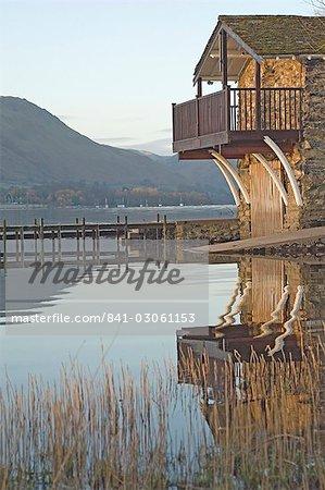 Le hangar à bateaux, lac Ullswater, Parc National de Lake District, Cumbria, Angleterre, Royaume-Uni, Europe