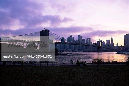 Skyline de Manhattan et de Brooklyn Bridge, New York, New York État, États-Unis d'Amérique, Amérique du Nord