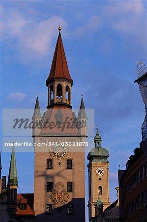 Altes Rathaus (ancien hôtel de ville) et Heiliggeistkirche, Munich, Bavière, Allemagne, Europe