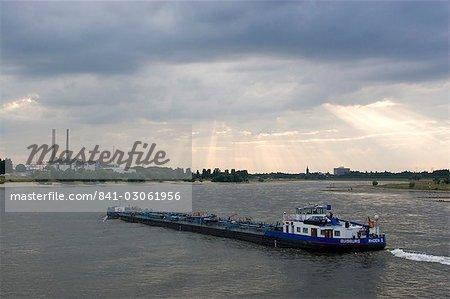 Cargo boat on the River Rhine, Dusseldorf, North Rhine Westphalia, Germany, Europe
