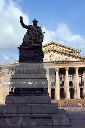 Max I monument Joseph et le Théâtre National, l'état abrite le bavarois opéra, la place de Joseph Max, Munich, Bavière, Allemagne, Europe