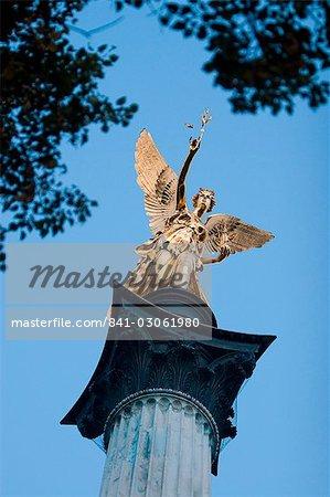 Colonne de l'ange de la paix (Friedensengel), Munich, Bavière, Allemagne, Europe