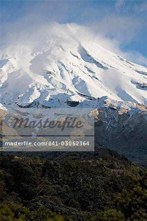Le volcan Mont Egmont ou Taranaki, Egmont National Park, Taranaki, North Island, Nouvelle-Zélande, Pacifique