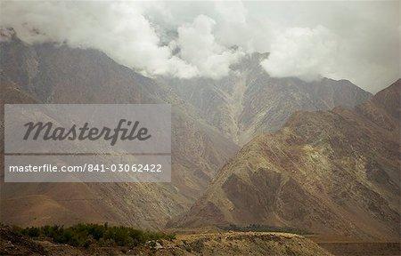 Nuages de mousson d'été dramatique dans les régions septentrionales du ranges, Karakoram Highway, Karakoram, Pakistan, Asie