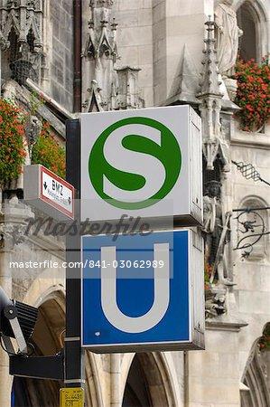 Sign for the S-Bahn and U-Bahn (suburban and underground public transport railways), Munich, Bavaria (Bayern), Germany, Europe