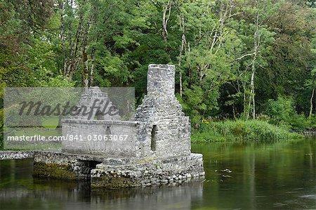Moines de pêche maison, Cong Abbey, comté de Mayo, Connacht, Irlande, Europe