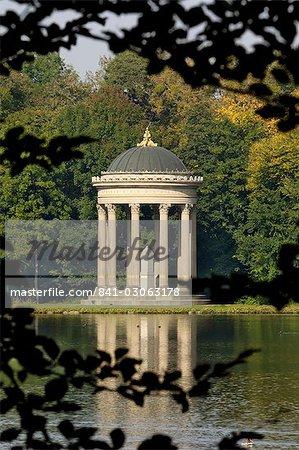 Pavillon ou la folie dans l'enceinte de Schloss Nymphenburg, Munich (München), Bavière (Bayern), Allemagne, Europe