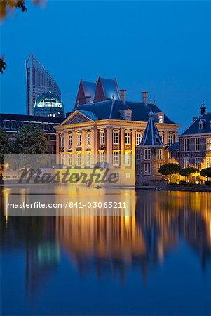 Mauritshuis at night, Lake Hof Vijver, Den Haag, The Hague, Holland (The Netherlands), Europe