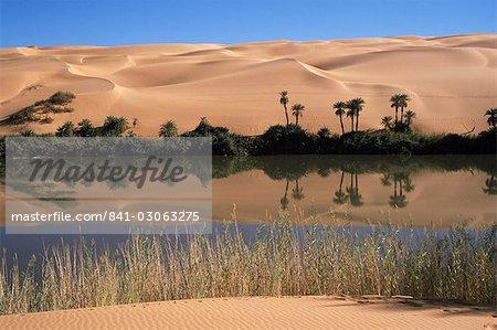 Oum el Ma Lake, vallée de Mandara, au sud-ouest du désert, la Libye, Afrique du Nord, Afrique