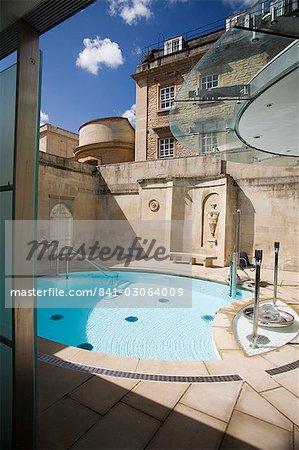 Traverser Bath Thermae Bath Spa, Bath, Avon, Angleterre, Royaume-Uni, Europe