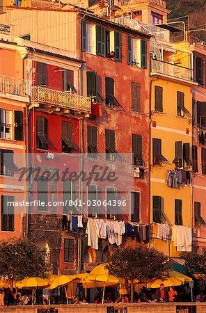 Maisons colorés, Vernazza, Cinque Terre, l'UNESCO World heritage Site, Ligurie, Italie, Europe