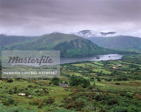Glanmore Lake du Healy Pass, péninsule de Beara, Munster, comté de Kerry, Irlande, Europe