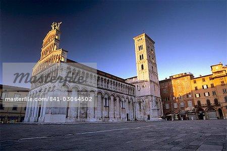 Chiesa di San Michele in Foro, de style Romano-Pisan datant entre le 11ème et 14ème siècles, Lucca, Toscane, Italie, Europe