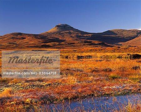 Table de MacLeod (Healabhal Bheag), 489 m, Duirinish, Isle of Skye, Hébrides intérieures en Écosse, Royaume-Uni, Europe