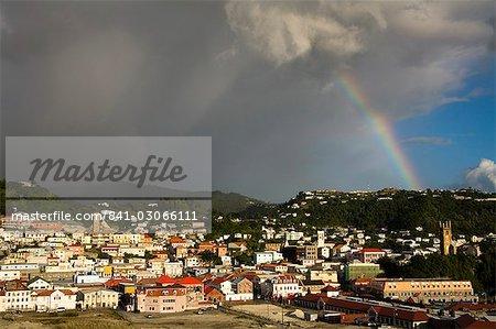Arc-en-ciel au-dessus de la zone de l'Esplanade, de Saint-Georges, Grenade, îles sous-le-vent, petites Antilles, Antilles, Caraïbes, Amérique centrale