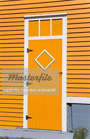 Porte colorée en Amérique du Nord de Saint-Jean Terre-Neuve, Québec,