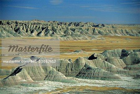 Big Badlands dominent, Badlands National Park, South Dakota, États-Unis d'Amérique